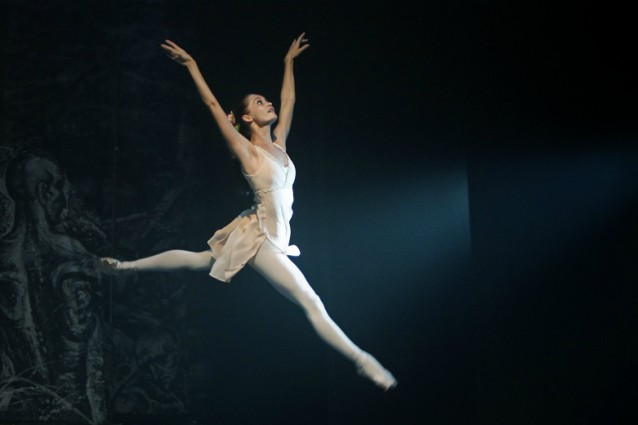 Mariafrancesca garritano allarme anoressia alla scala di for Immagini di ballerine di danza moderna