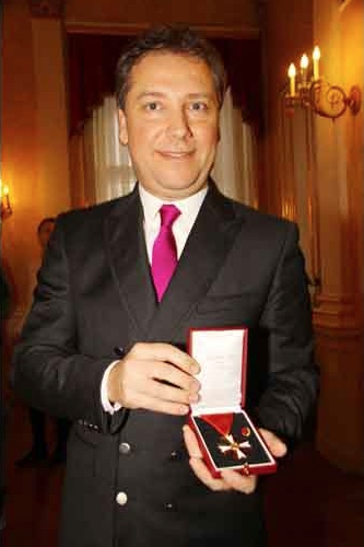 Atil Kutoglu, alta onorificenza per il noto designer turco-austriaco a Vienna