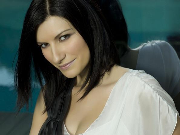 Laura Pausini, venti anni di successi con un album originale di La Solitudine