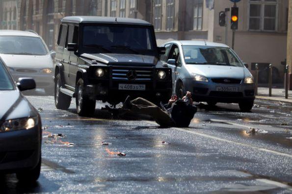 Mercedes-Benz_A_good_day_to_die_hard_(5)-w600-h600
