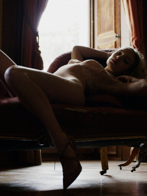 the-artful-nude-life-drawing-with-bella-franks