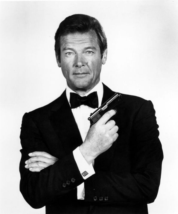 roger-moore-w900-h900